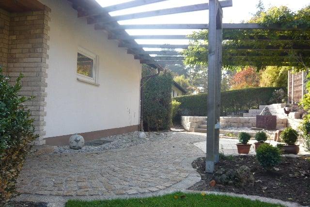 Gartengestaltung Dresden, pflaster - granit - gelb, trockenmauer - jurakalk, terrasse, Design ideen