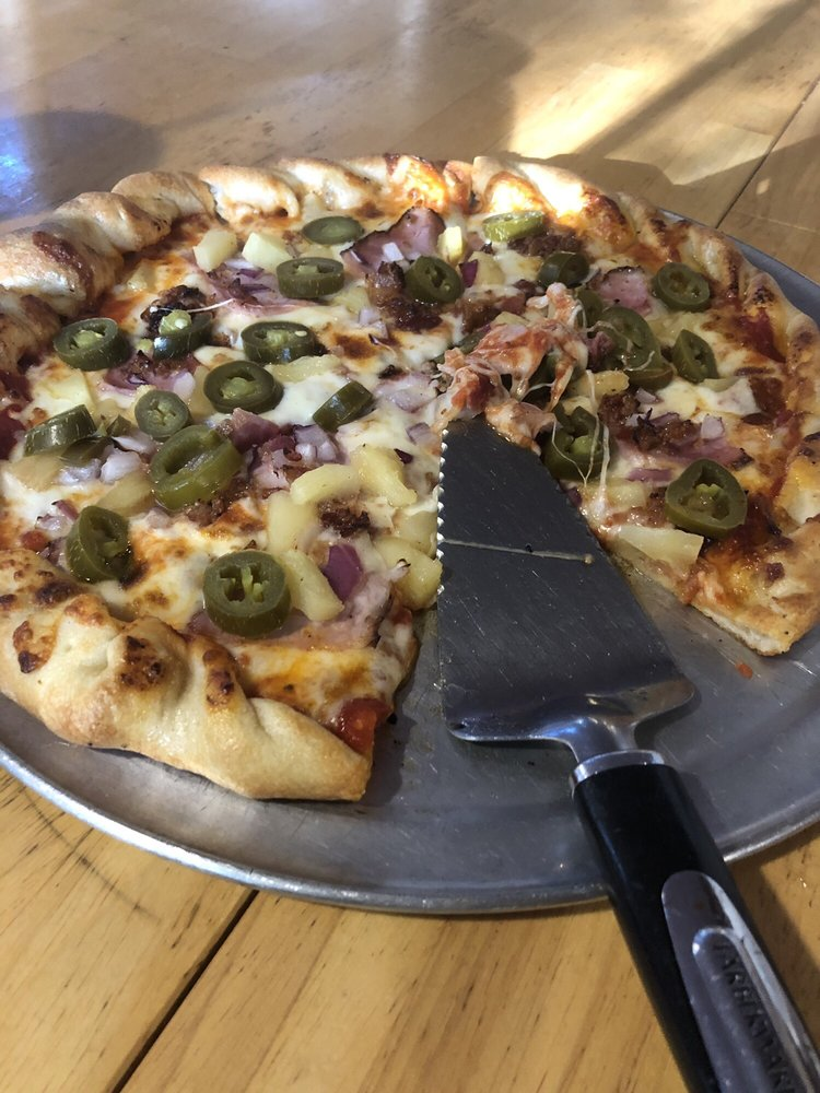 Cabin Pizza: 2046 Jh Obryan Ave, Grand Rivers, KY