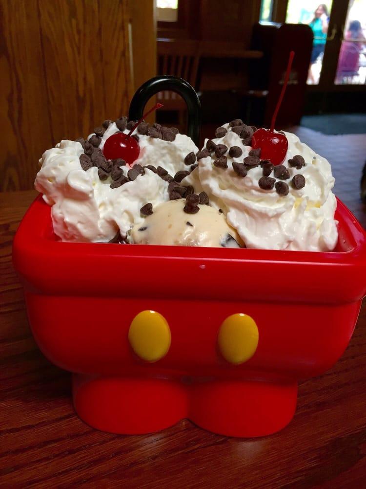 Kitchen sink sundae - Yelp