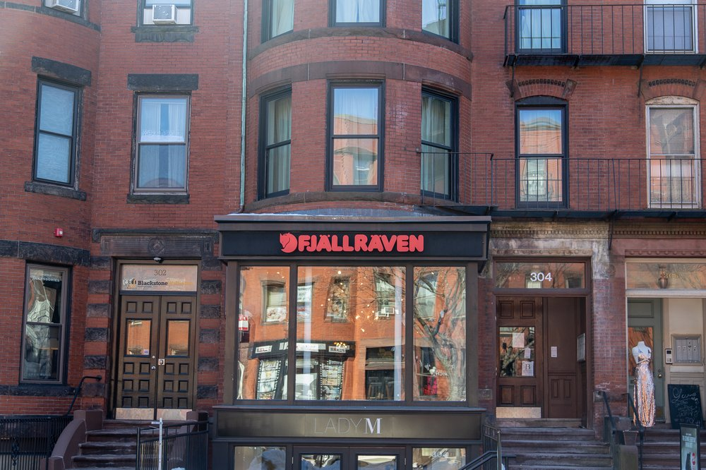 Fjällräven Boston: 304 Newbury St, Boston, MA