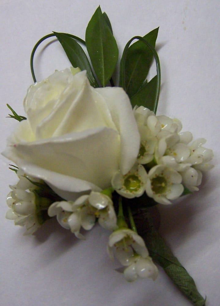 A white spray rose Boutonniere | YelpWhite Spray Rose Boutonniere