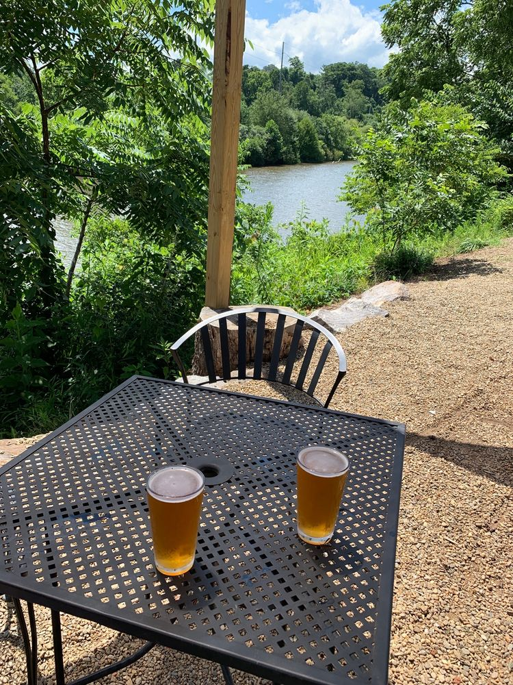 Currahee Brewing Company: 100 Lakeside Dr, Franklin, NC
