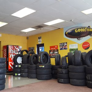 New Used Tires Wheels Rims In Orlando Fl Er Tire >> Adams Tires And Wheels 17 Reviews Tires 3420 S Orange Ave