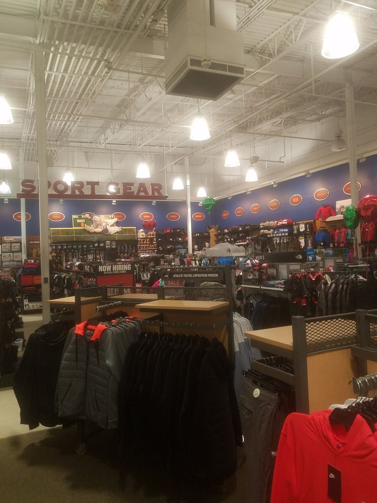 DICK'S Sporting Goods: 367 Russell St, Hadley, MA