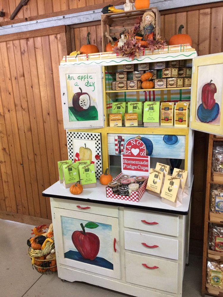 Geig's Orchard: 8468 Wooster Pike Rd, Seville, OH