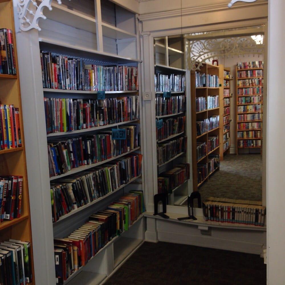 Hartford Public Library: 15 S Franklin St, Hartford, MI