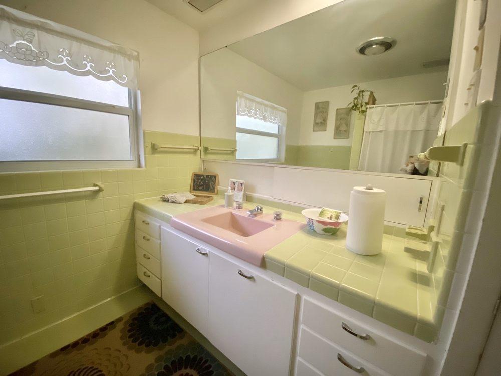 Better Living Day Spa: 727 N Calhoun St, Tallahassee, FL