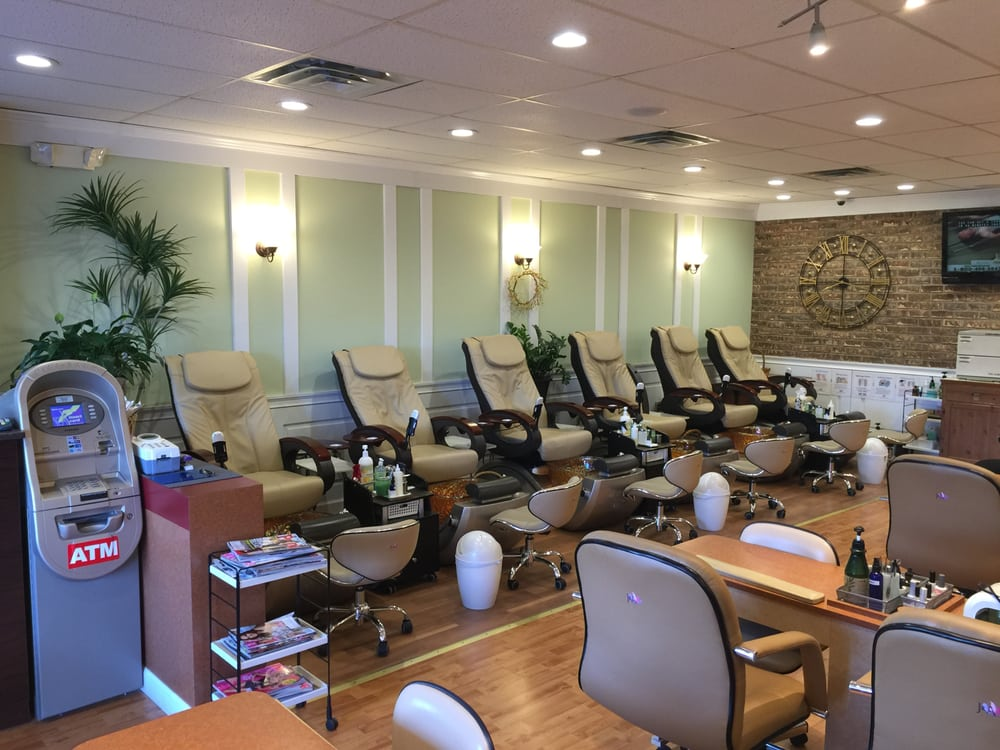 Manicure section - Yelp