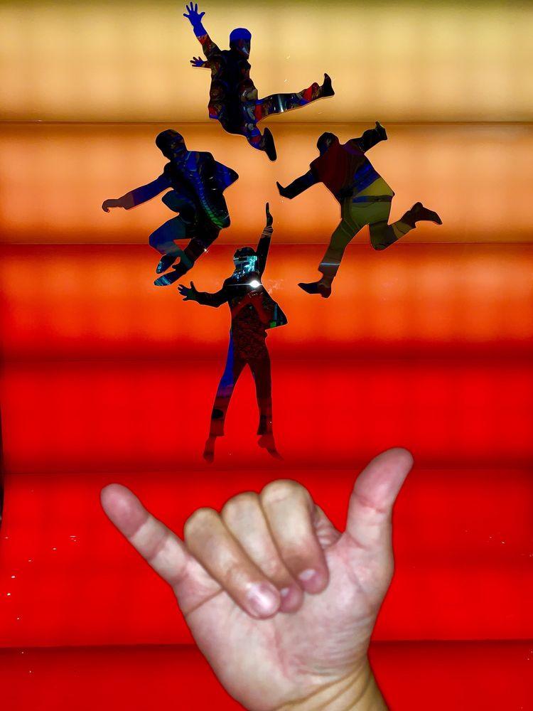 Social Spots from Cirque du Soleil - The Beatles LOVE