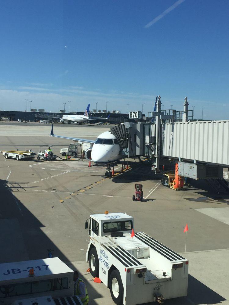 Photo of JetBlue: Dulles, VA