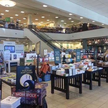 Barnes Amp Noble 156 Photos Amp 172 Reviews Bookstores
