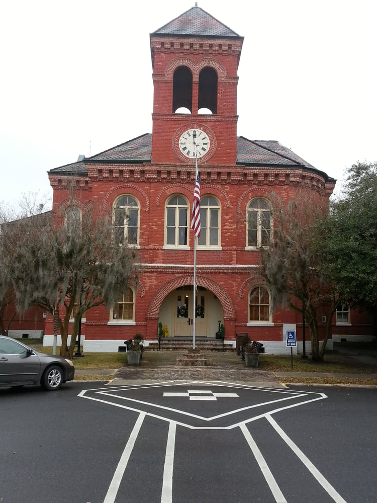 Ascension Parish Courthouse - 300 Houmas St, Donaldsonville