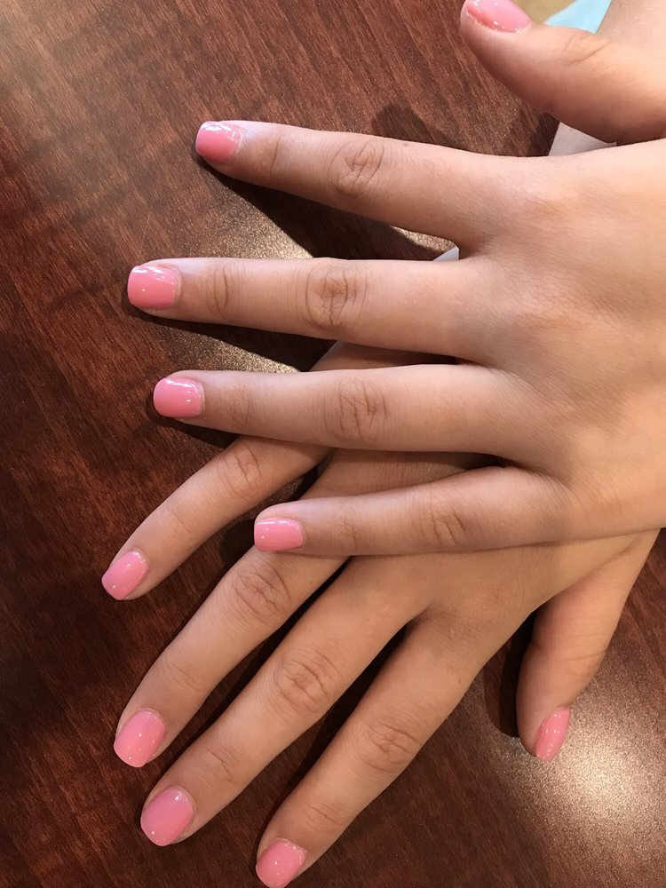 Nails by Chris: 376 Veterans Pkwy N, Moultrie, GA
