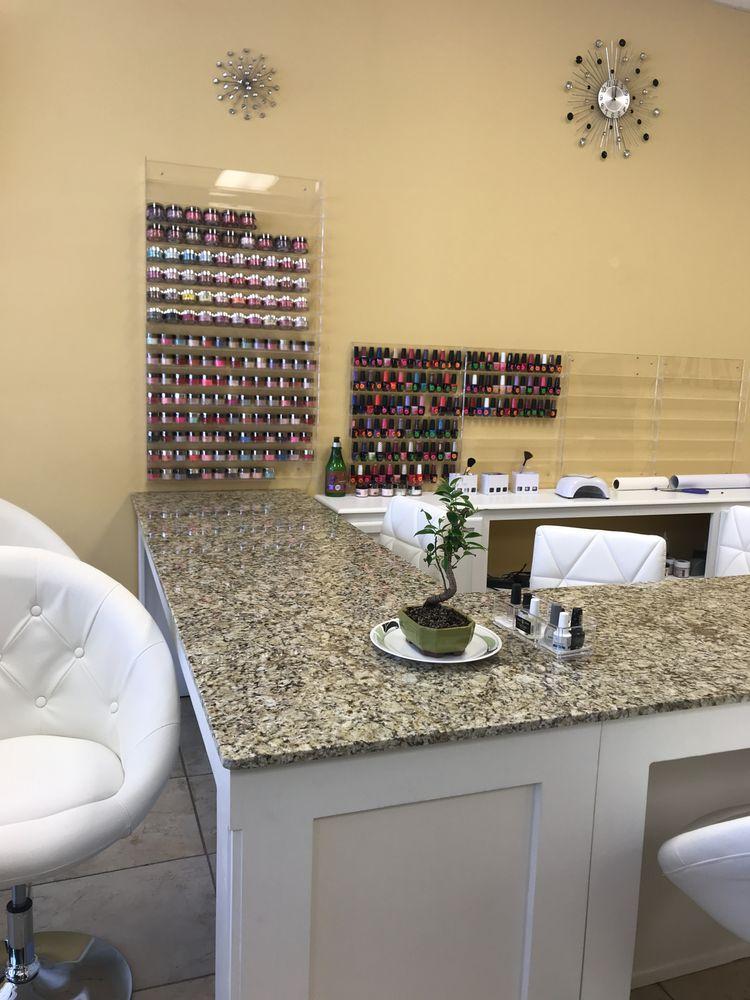 Salon Trinity Nails & Spa: 2819 S Cabela Pkwy, Gonzales, LA