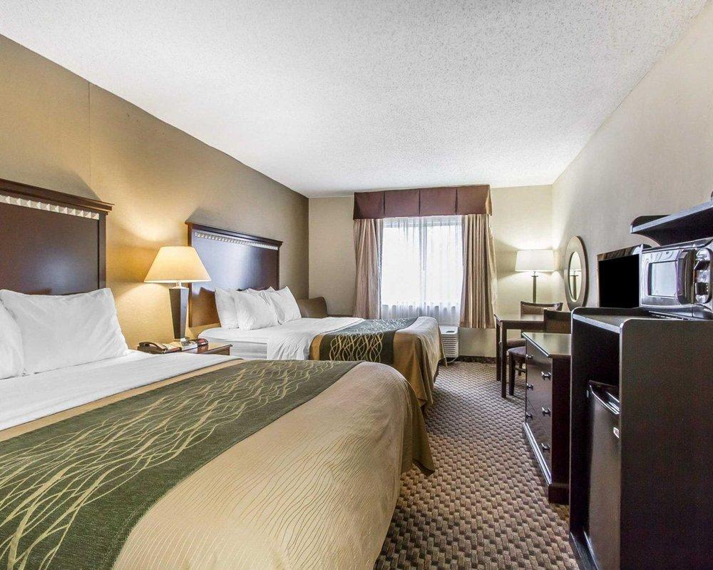 Quality Inn: 1646 N Lafayette St, Macomb, IL