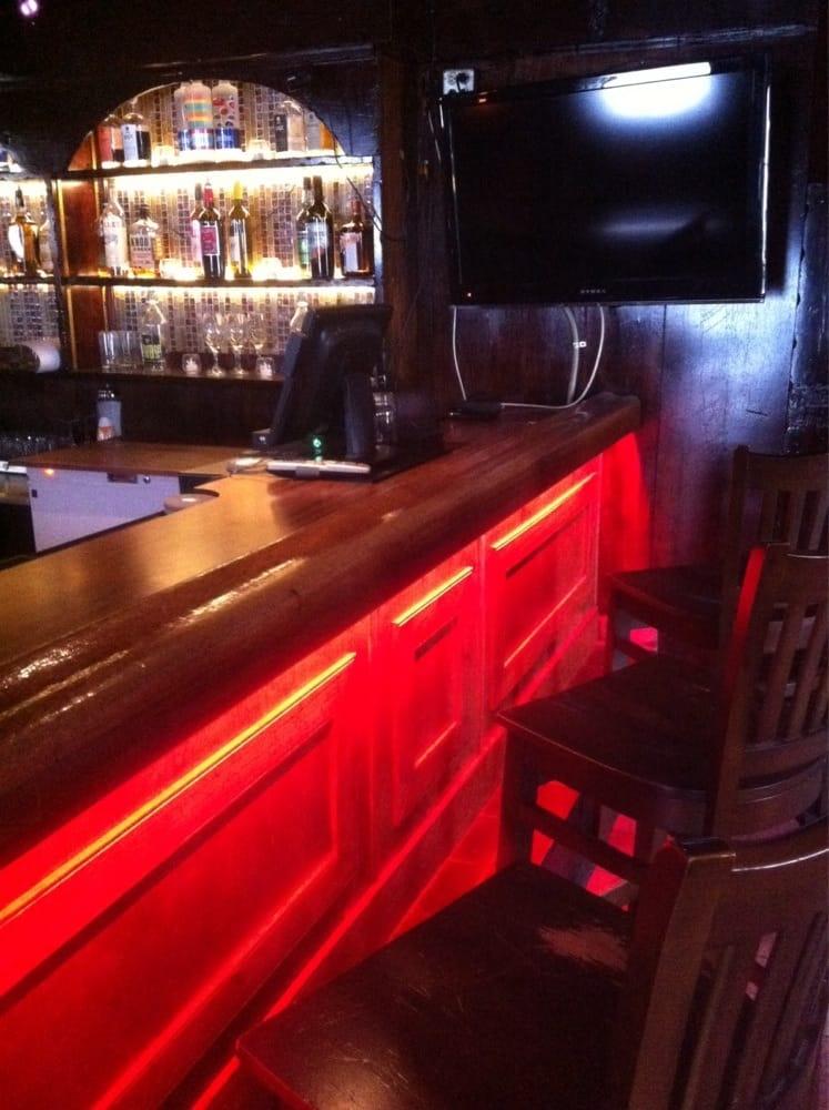 Old Vineland Tavern: 1508 Mays Landing Rd, Millville, NJ