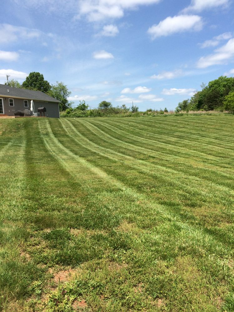 Davidson Landscaping: 3648 Stonewall Rd, Concord, VA
