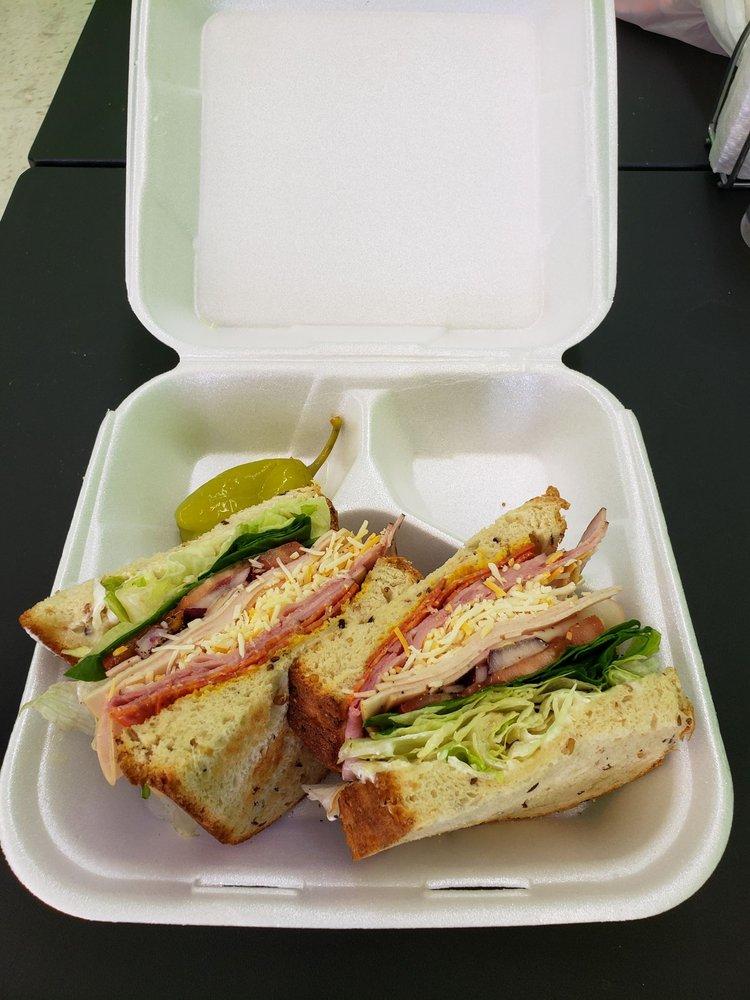 B Fresh Salad Bar and More: 105 E Beech St, Cochran, GA