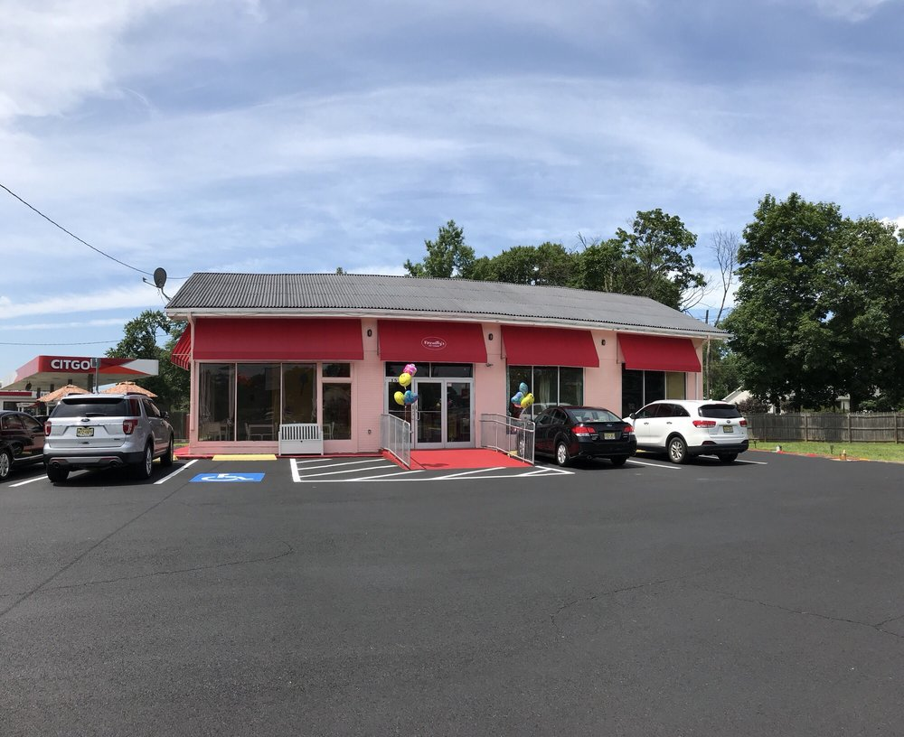 Fitzwilly's Ice Cream: 1512 Route 38, Cherry Hill, NJ