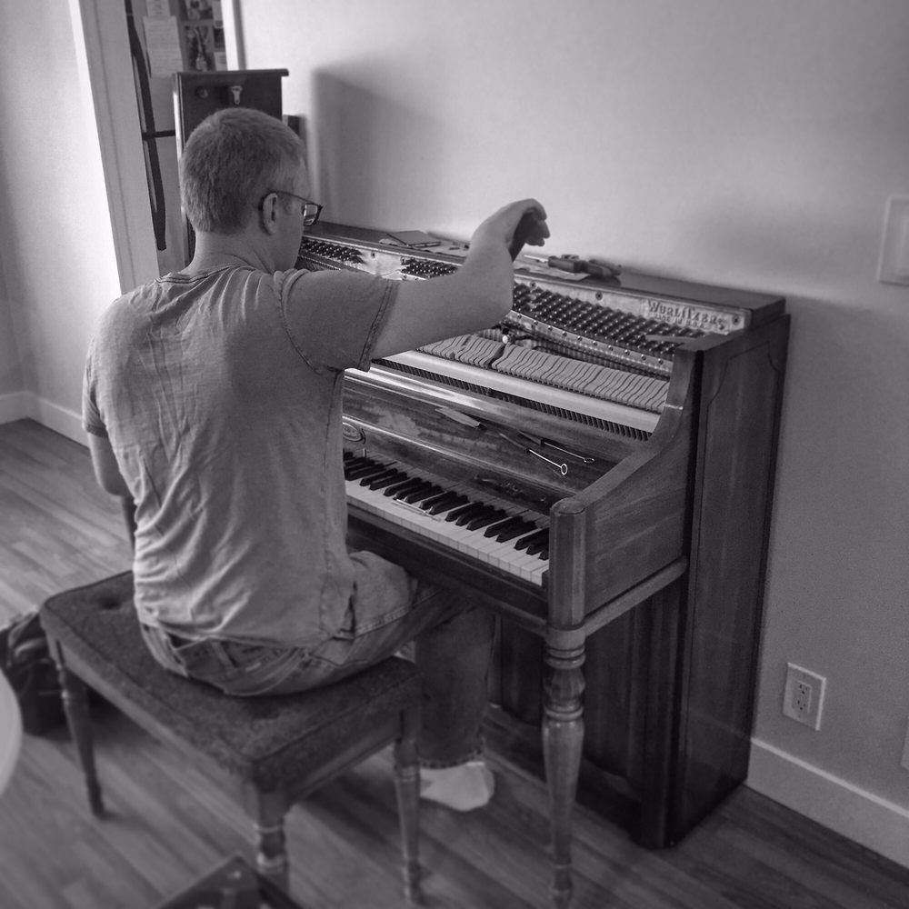 Master Piano Tuner Doug Freeze