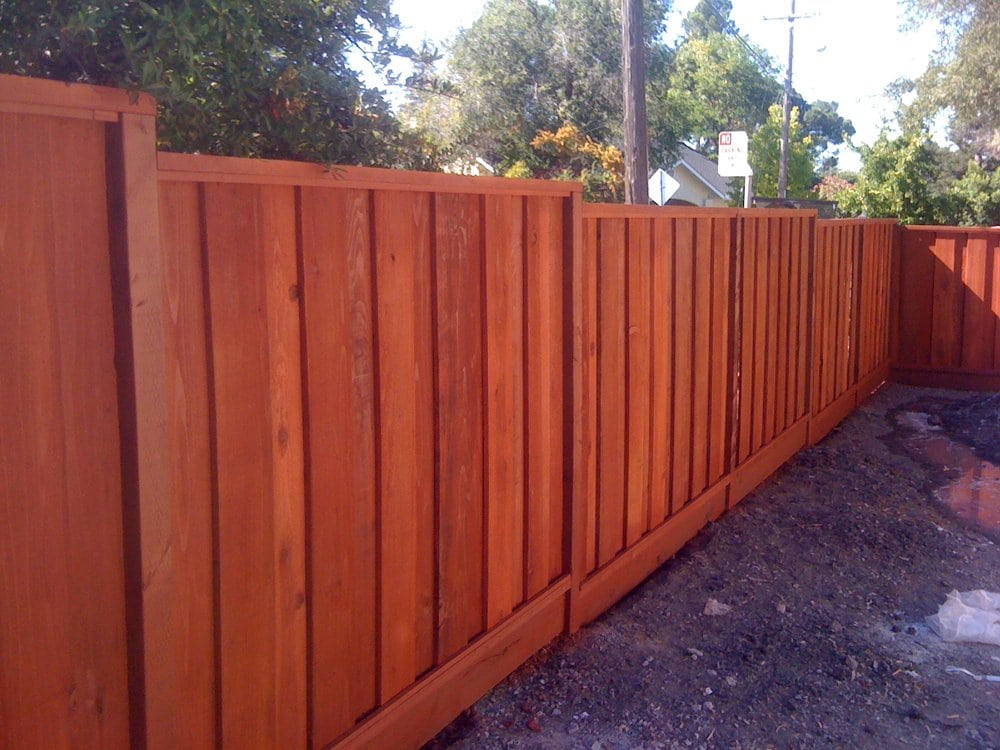 Board on board picture frame good neighbor fence con for Good neighbor fence plans