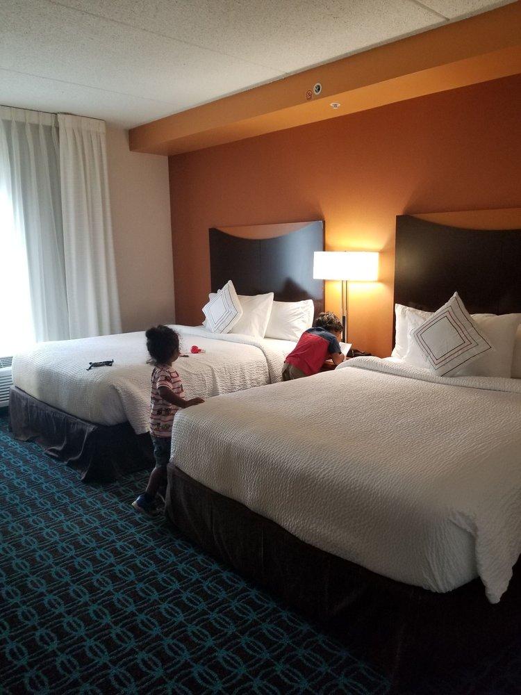 Fairfield Inn & Suites Washington, DC/New York Avenue: 2305 New York Ave NE, Washington, DC, DC
