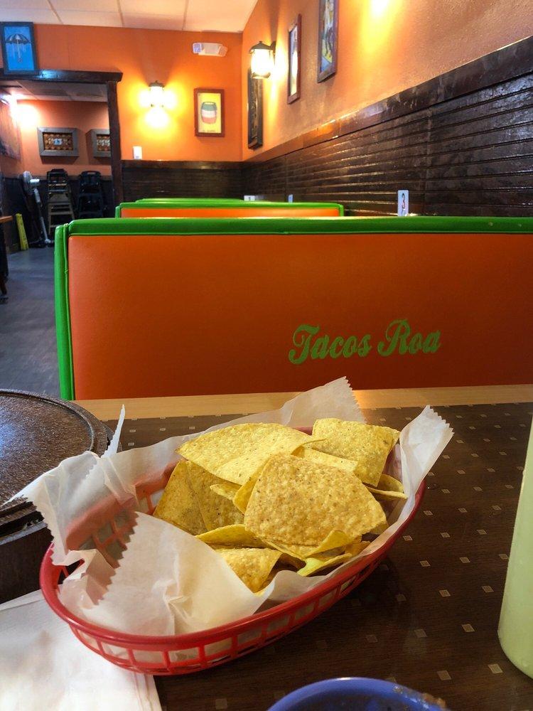 La Tita Gorda Taqueria: 3865 Mangum Rd, Houston, TX