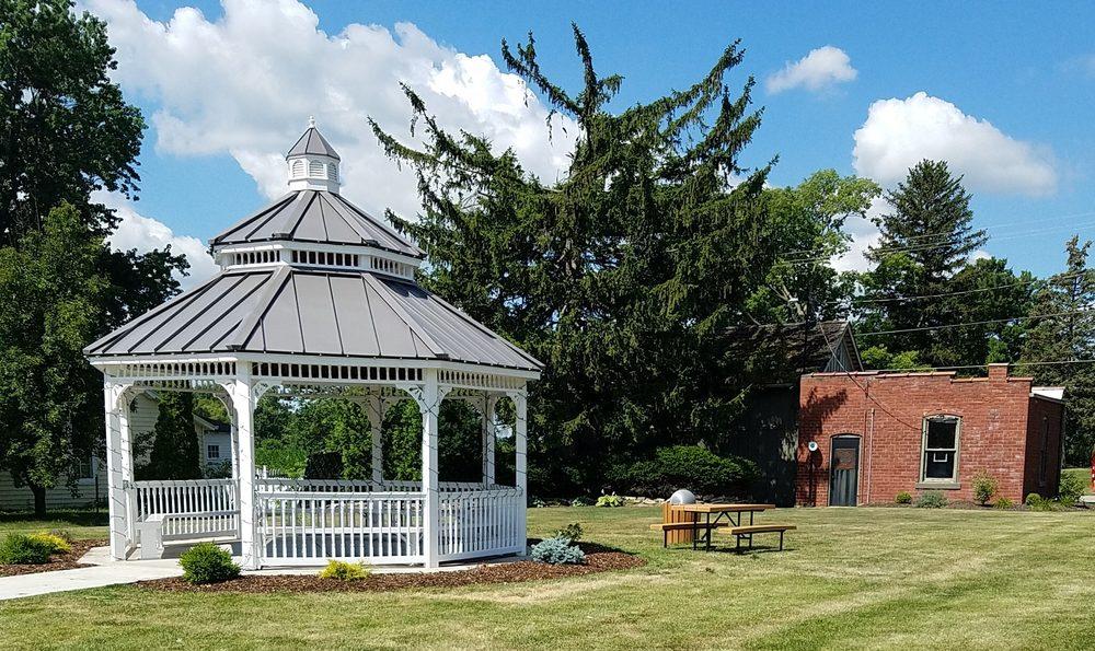 Juanita Waugh Park: 101 S Prairie St, Brookston, IN