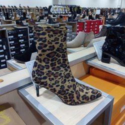 5c51261f4b0 DSW Designer Shoe Warehouse - 20 Photos   19 Reviews - Shoe Stores ...