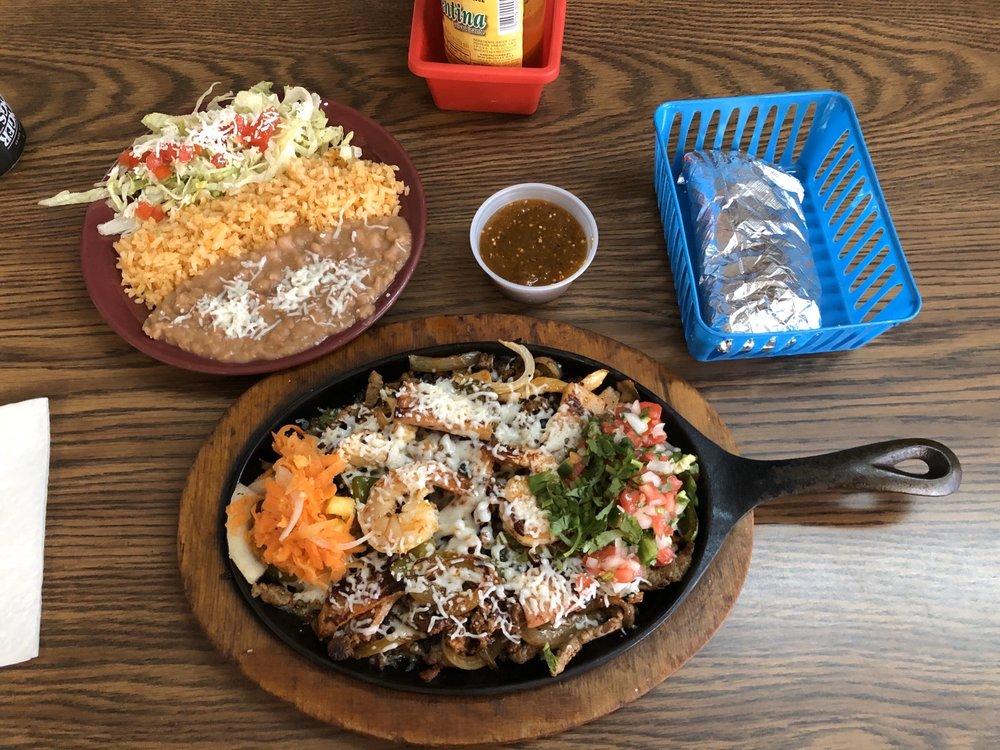 Taqueria Y Tienda Jalisco: 928 S Main Ave, Lake Placid, FL