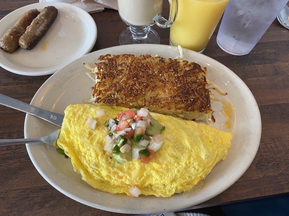 Sunnyside Diner: 7 E 2nd St, Edmond, OK