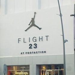 44dfefee3c600c Footaction - Sports Wear - 543 Fulton St