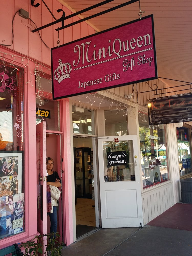 Mini Queen: 5770 W Irlo Bronson Memorial Hwy, Kissimmee, FL