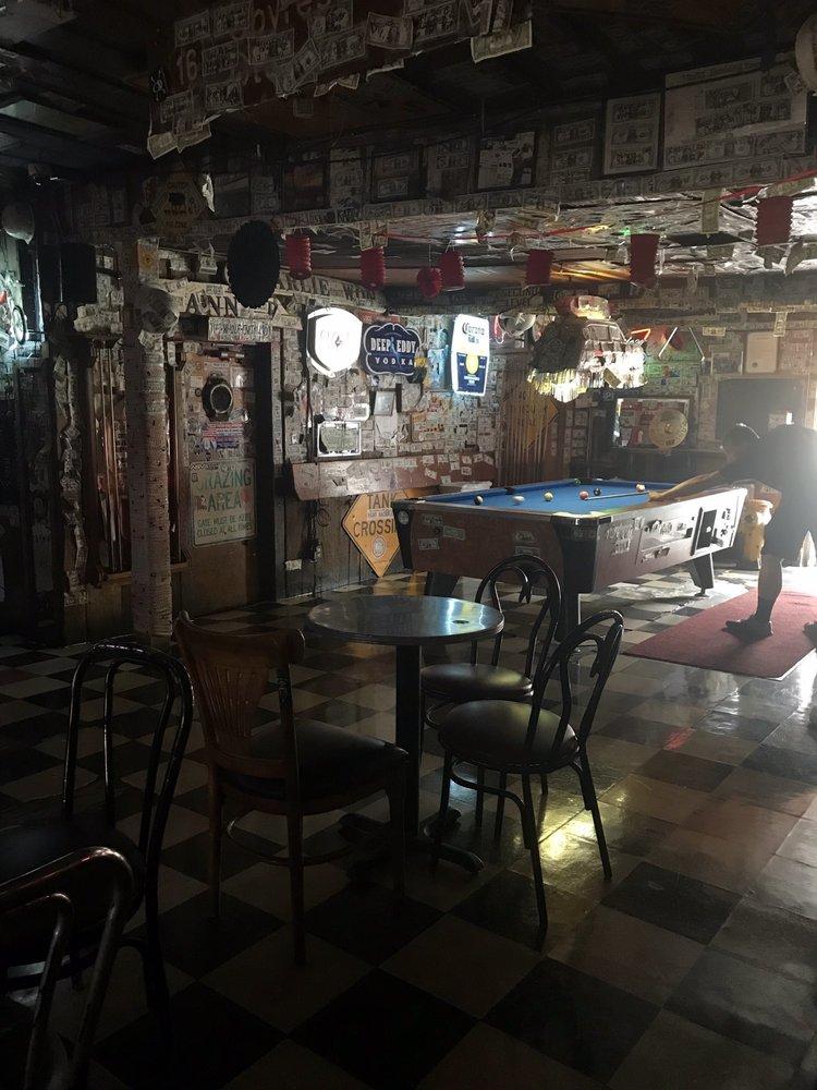 Moss Landing Dive Bar Inn: 7904 California Hwy 1, Moss Landing, CA