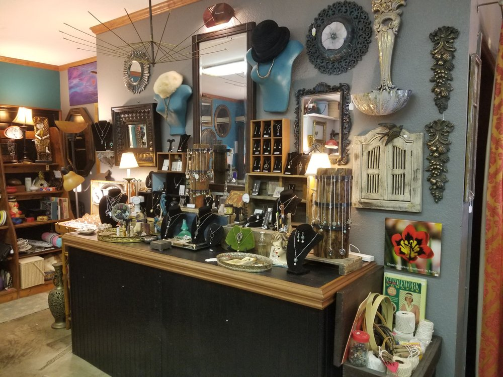 The Curiosity Shoppe: 118 Cherry St, Black Mountain, NC