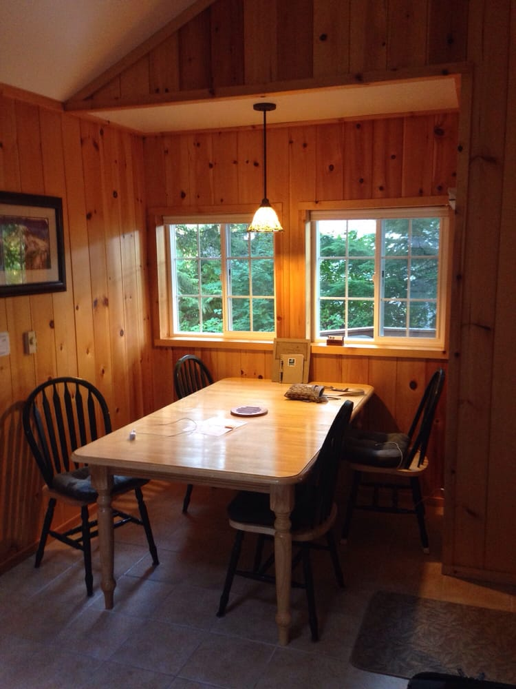Deep Forest Cabins: 33823 State Rte 706 E, Ashford, WA