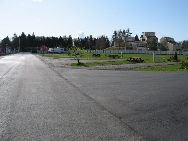 Lighthouse By The Bay RV Resort: 4700 Alderson Rd, Blaine, WA
