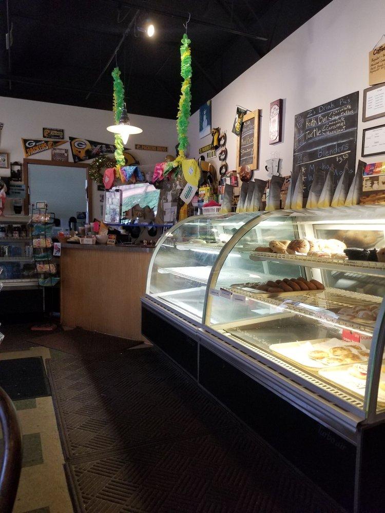 Z's Bakery & Java Hut: N2826 County Rd Qq, Waupaca, WI