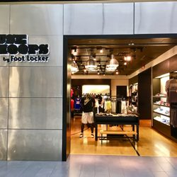 26ecac50d House of Hoops by Foot Locker - Sporting Goods - 2000 Riverchase Dr ...