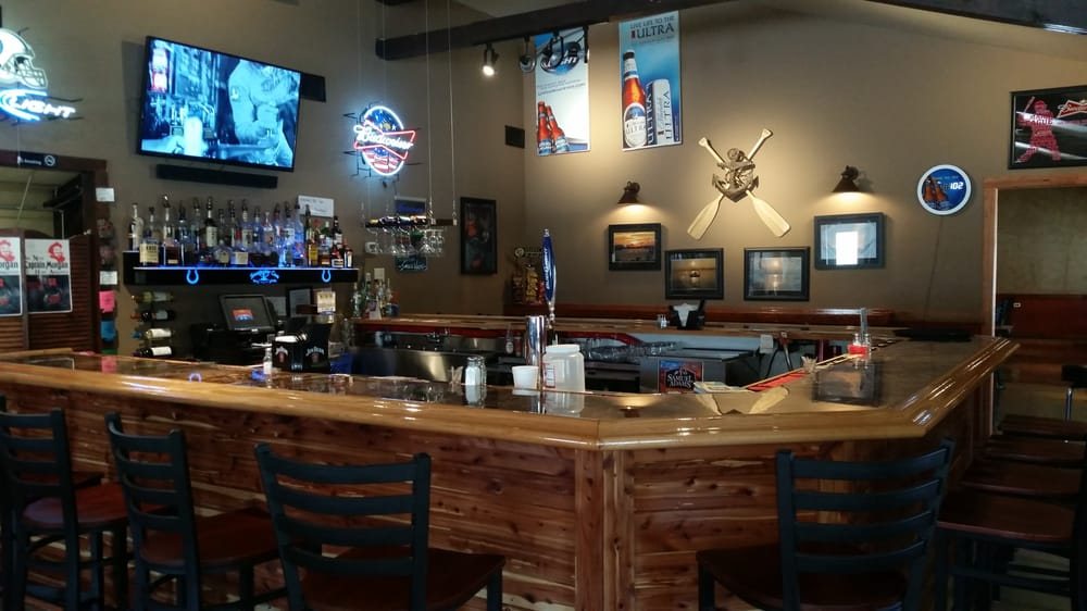 Smackwater Cove Bar&Grille: 15364 Old St Rd 70, Derby, IN