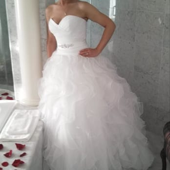 Alma s bridal alterations boutique 32 photos 17 for Wedding dress alterations roseville ca