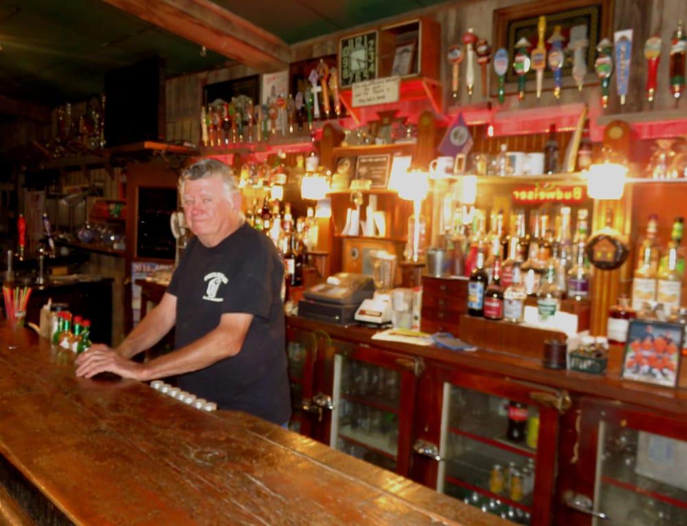 Slim's Tavern: 121 N I St, Lind, WA