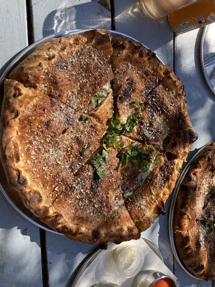 Sidewall Pizza: 207 W Olive St, Bozeman, MT