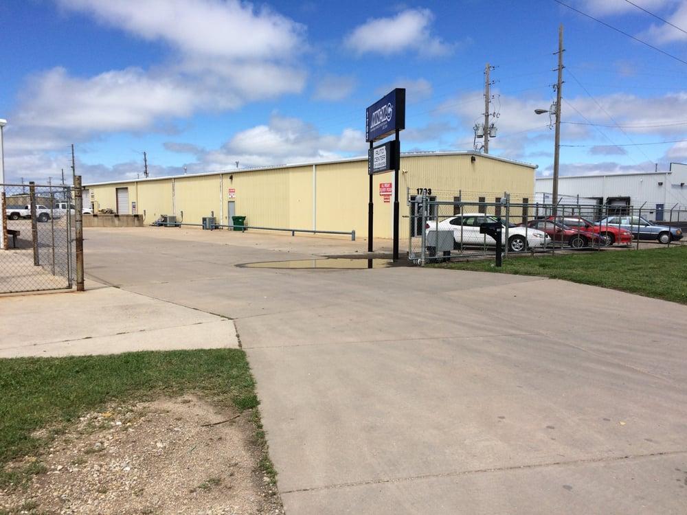 Auto Center Of Kansas Free Quote Dealerships 1707 Southwest Blvd Wichita Ks United