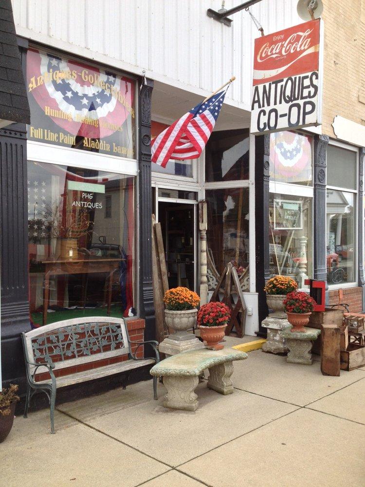 Antiques Co-Op: 129 W Washington St, Morgantown, IN