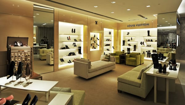 Louis vuitton new york saks 5th ave shoe salon leather for 5th avenue salon