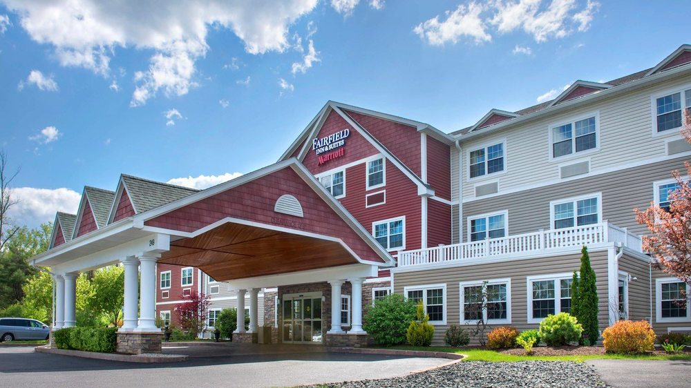 Fairfield Inn & Suites Great Barrington Lenox/Berkshires: 249 Stockbridge Rd Rte 7, Great Barrington, MA