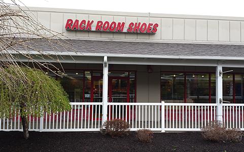 Rack Room Shoes: 9911 Avon Lake Rd, Burbank, OH