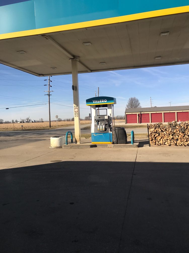 Valero Gas Station: 415 S Main St, Kirklin, IN