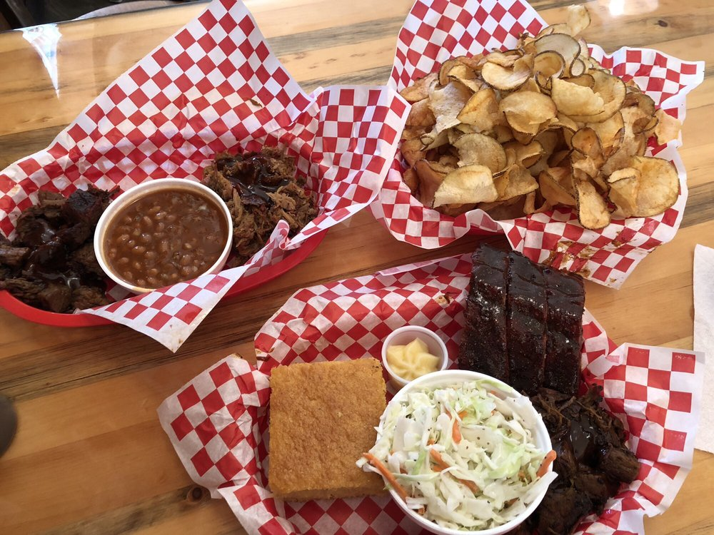 Country Boy's BBQ: 400 Aplets Way, Cashmere, WA